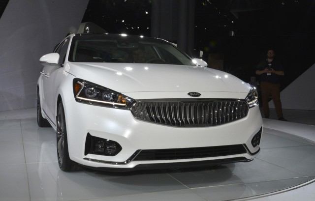 2017 Kia Cadenza, 2016 New York Auto Show
