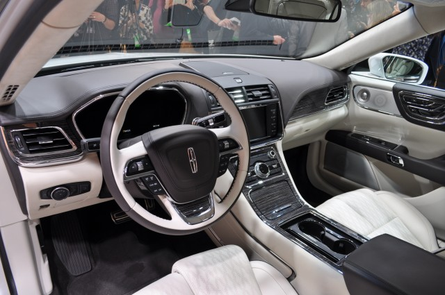 2017 Lincoln Continental Lands At Detroit Auto Show: Live Photos And ...