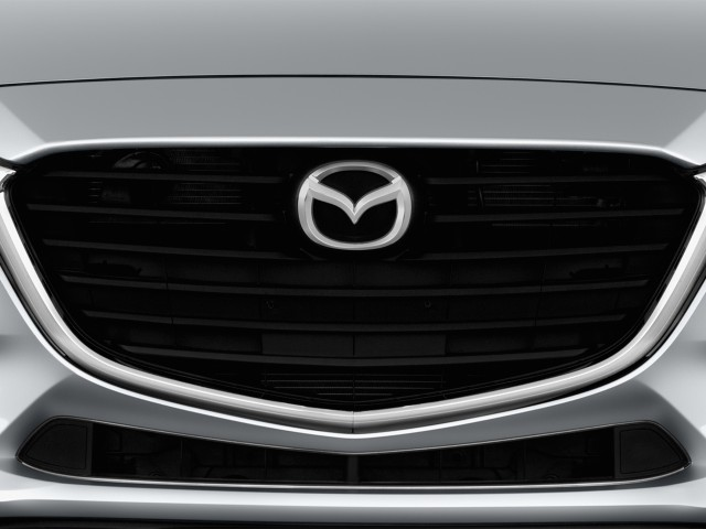 Grille - 2017 Mazda Mazda3 4-Door Sport Auto