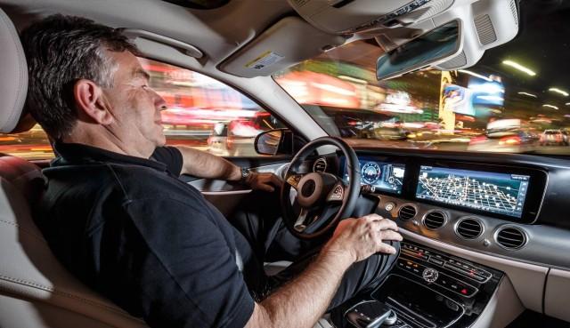 2017 mercedes benz e class to feature drive pilot autonomous driving