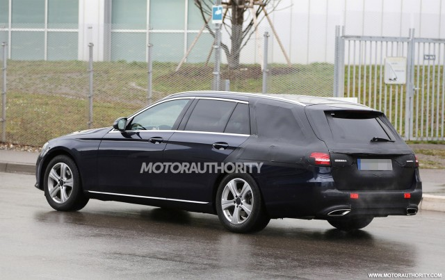 2017 Mercedes-Benz E-Class Wagon spy shots - Image via S. Baldauf/SB-Medien