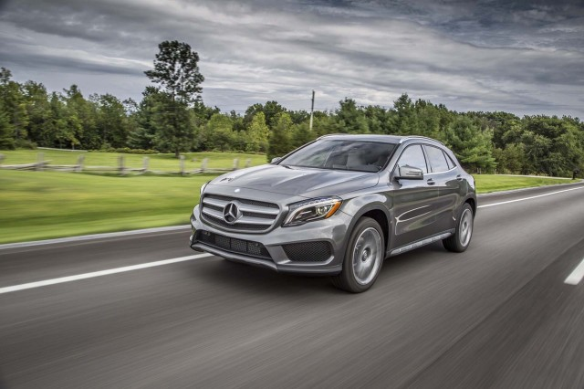 2017 mercedes benz gla class pictures photos gallery the for Mercedes benz m class 2017
