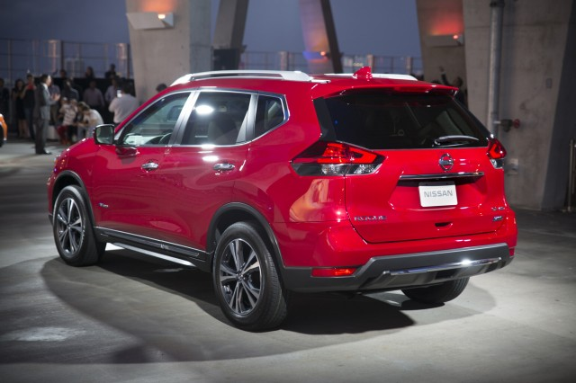NHTSA investigating Nissan Rogue over automatic emergency