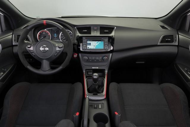 2017 Nissan Sentra Nismo revealed at 2016 LA auto show