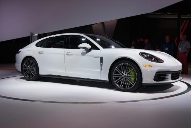 2017 Porsche Panamera 4 E-Hybrid Executive