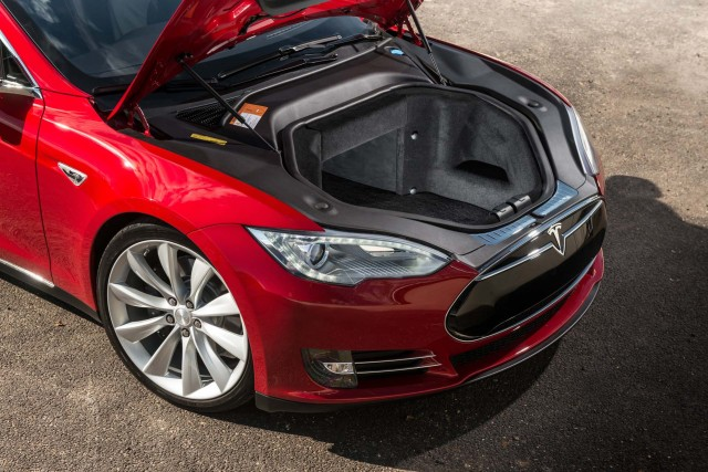 Iihs says tesla electric cars have higher miles more costly repairs 2017 tesla model s malvernweather Gallery