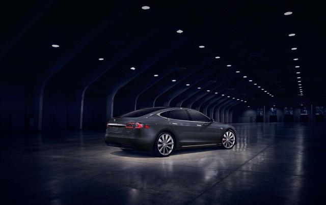Elon Musk is 'full of crap' on Tesla's autonomous driving capability — GM