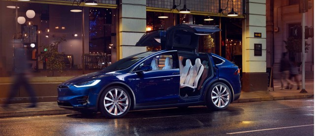 Do Tesla stores still matter? Take our Twitter poll