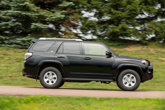 2017 Jeep Grand Cherokee Vs 2017 Toyota 4runner The Car Connection