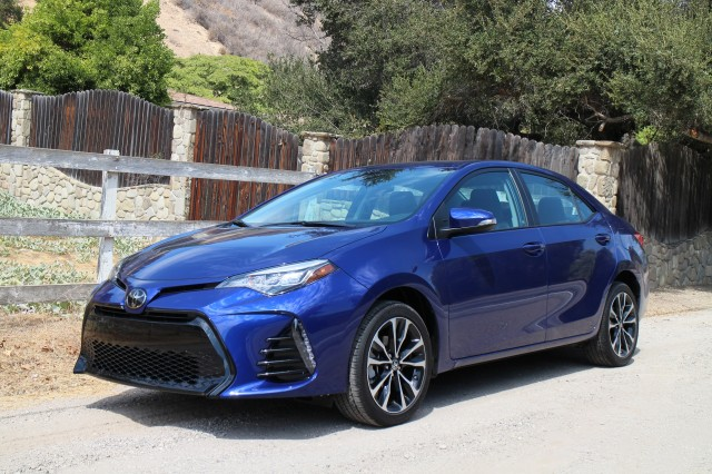 2017 toyota corolla first drive of updated compact sedan. Black Bedroom Furniture Sets. Home Design Ideas