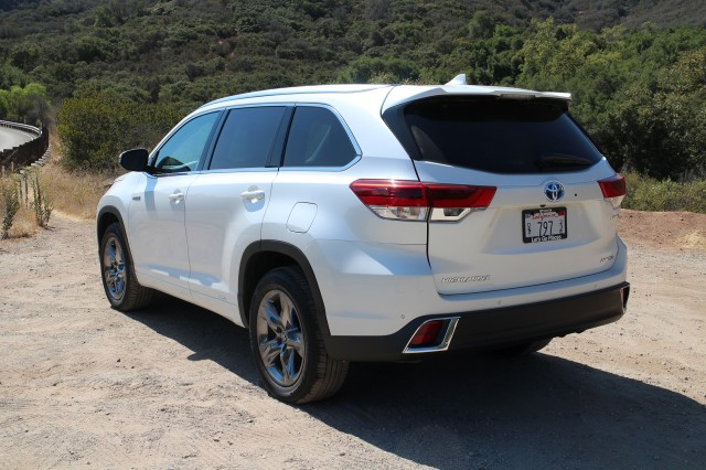 2017 Toyota Highlander Hybrid, test drive, Ojai, California, Sep 2016