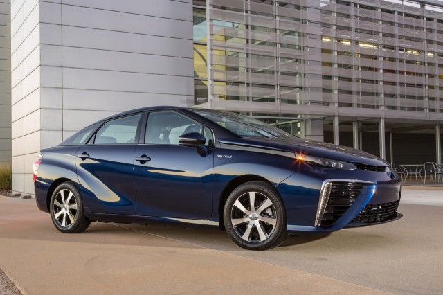 Toyota Mirai Update To Fix Output Voltage On Fuel Cell