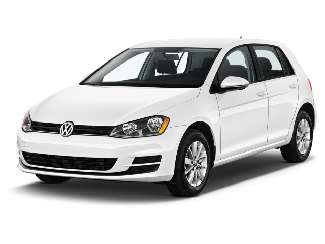 2017 Volkswagen Golf 1.8T 4-Door S Auto Angular Front Exterior View