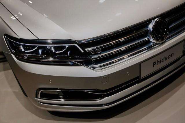 2017 Volkswagen Phideon, 2016 Geneva Motor Show