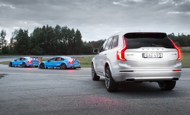 2017 Volvo XC90 T8 Twin Engine with Polestar Performance Optimization