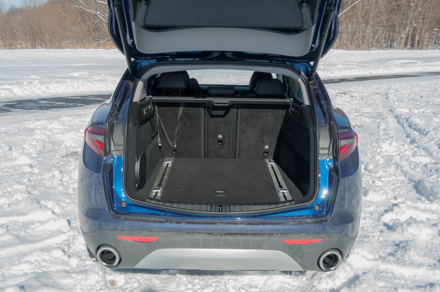7 things you need to know about driving the 2018 Alfa Romeo Stelvio in the snow (Page 2)