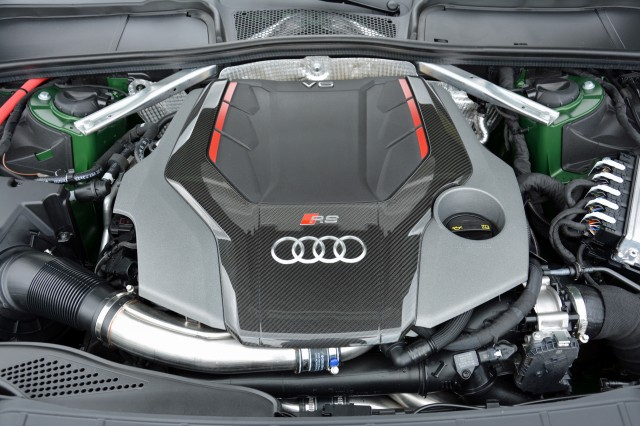 audi rs q5 coming soon with rs 5 s 450 horsepower v 6. Black Bedroom Furniture Sets. Home Design Ideas