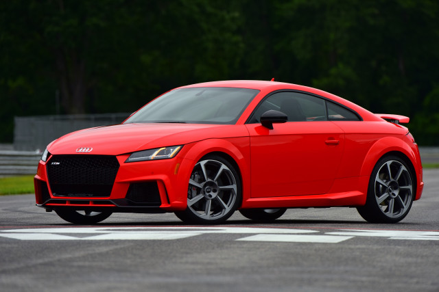 2018 audi tt rs first drive review overcoming imbalance. Black Bedroom Furniture Sets. Home Design Ideas