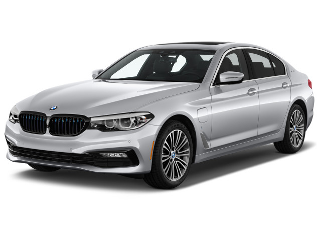 2018 BMW 5-Series 530e iPerformance Plug-In Hybrid Angular Front Exterior View