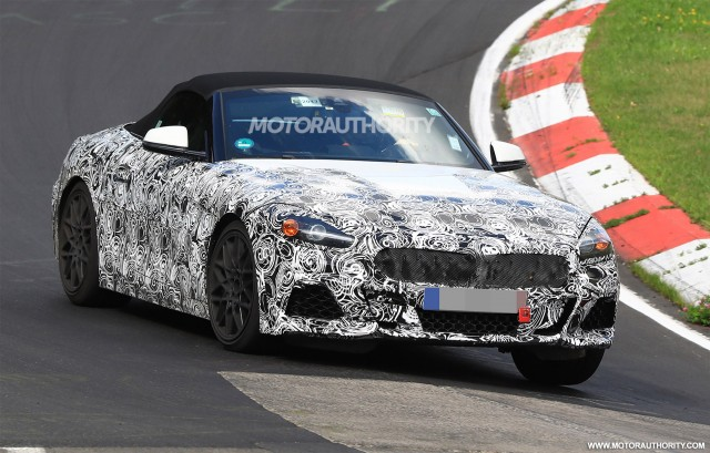 2018 bmw z4 roadster. perfect bmw 2018 bmw z4 spy shots  image via s baldaufsbmedien to bmw z4 roadster