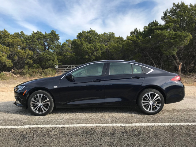 2018 Buick Regal Sportback First Drive Review The Crossover Of Cars