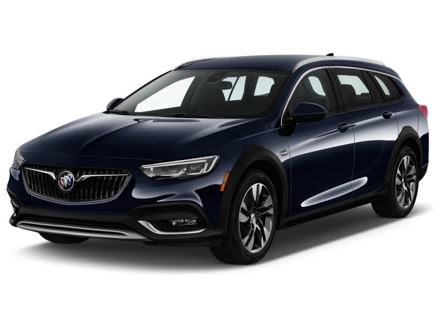 2018 Buick Regal TourX 5dr Wagon Essence AWD Angular Front Exterior View
