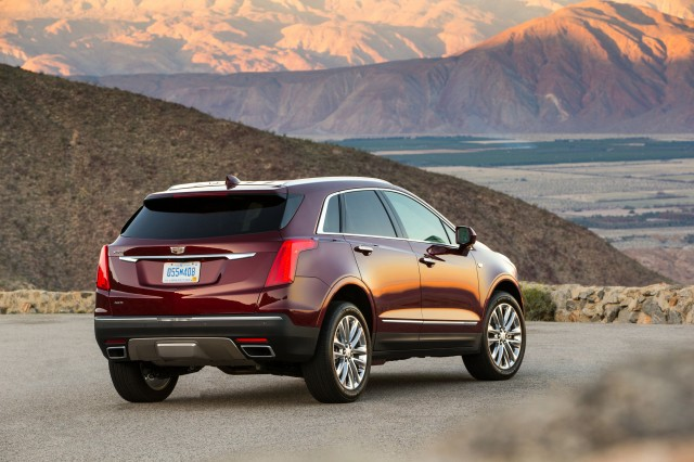 cadillac 3 row crossover suv to be an xt6. Black Bedroom Furniture Sets. Home Design Ideas