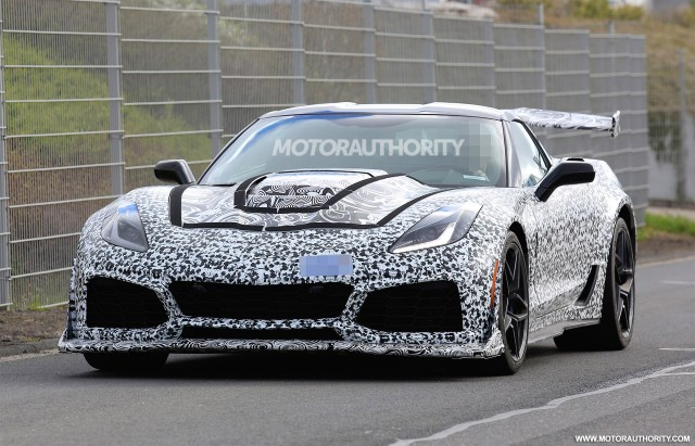 2018 chevrolet build. brilliant chevrolet 2018 chevrolet corvette zr1 spy shots  image via s baldaufsbmedien with chevrolet build r