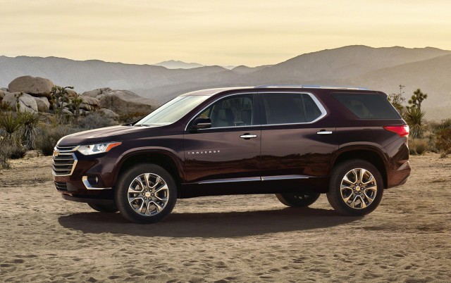 2019 Chevrolet Traverse: Design, Specs, Price >> 2018 Chevrolet Traverse Vs 2018 Buick Enclave Compare Cars