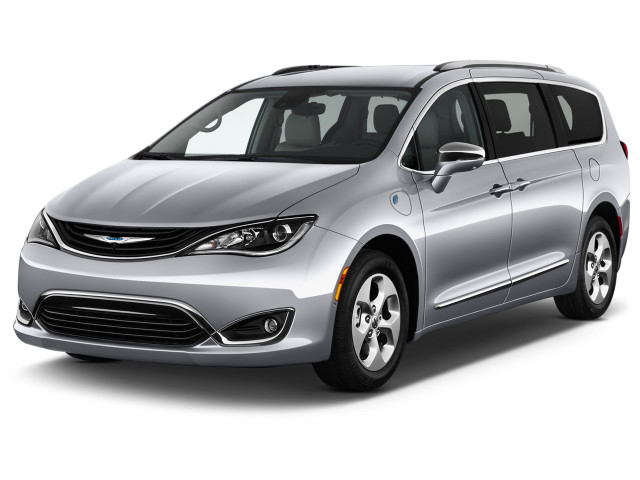 2018 Chrysler Pacifica Hybrid Limited FWD Angular Front Exterior View