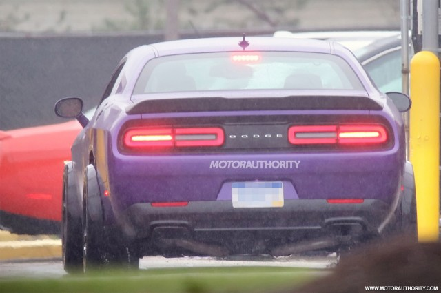 2018 dodge srt. contemporary dodge 2018 dodge challenger adr widebody srt hellcat spy shots  image via for dodge srt