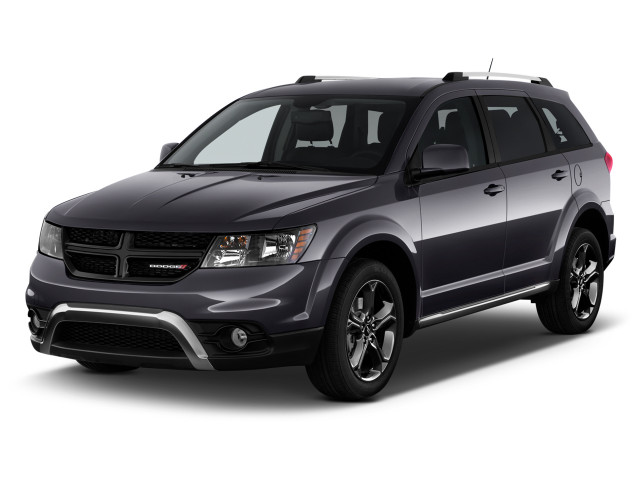 2018 Dodge Journey Crossroad FWD Angular Front Exterior View