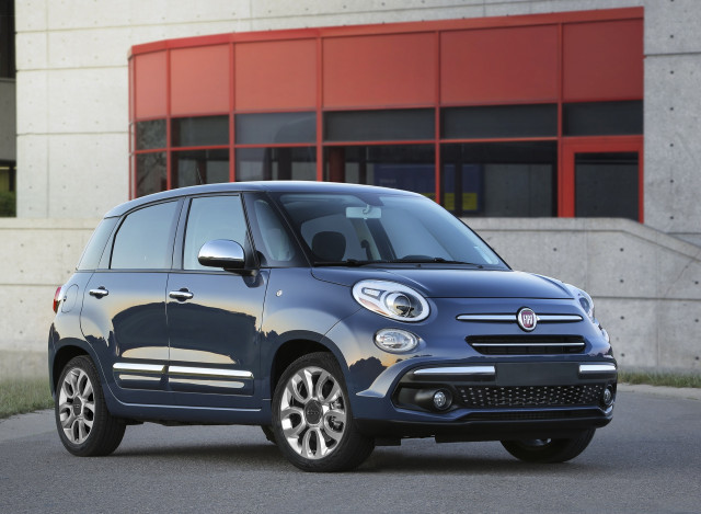 2018 fiat 500l review ratings specs prices and photos the car connection. Black Bedroom Furniture Sets. Home Design Ideas