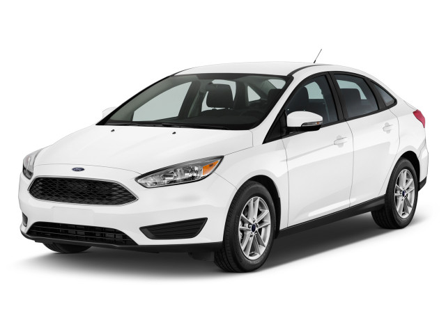 2018 Ford Focus SE Sedan Angular Front Exterior View