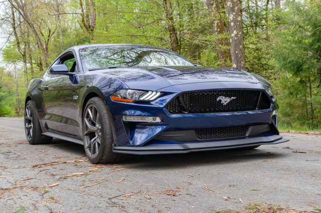 2018 ford mustang gt performance package level 2 first drive making it a real sports car. Black Bedroom Furniture Sets. Home Design Ideas