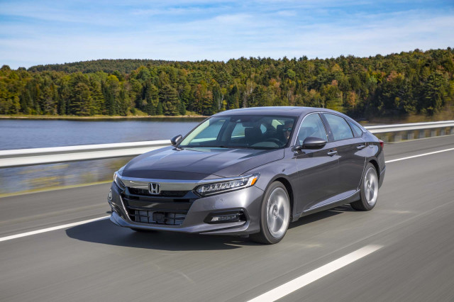 2018 Honda Accord Sedan Vs 2018 Toyota Camry The Car