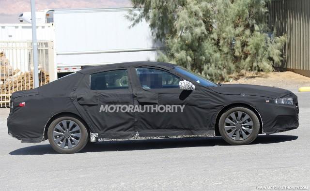 2018 Honda Accord spy shots - Image via S. Baldauf/SB-Medien