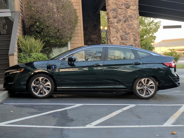 2018 Honda Clarity PHEV Plugged into L1 in Corte Madera, Calif.