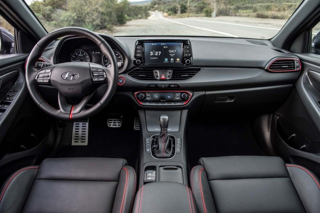2018 Hyundai Elantra Gt Pairs Cavernous Cargo Hold Good Looks