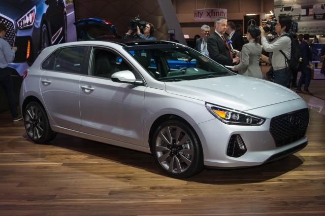 2018 Hyundai Elantra GT, 2017 Chicago auto show