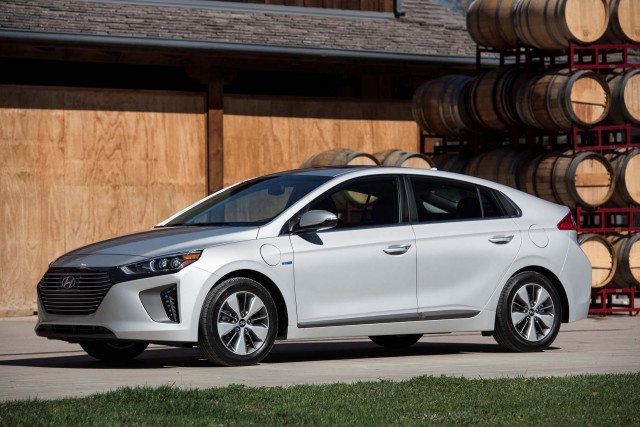 Finalist For Green Car Reports Best Car To Buy 2018 Hyundai Ioniq