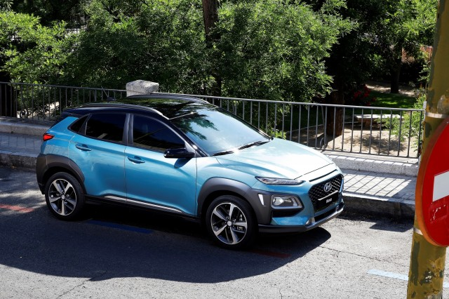 hyundai kona small suv revealed with electric version to come. Black Bedroom Furniture Sets. Home Design Ideas