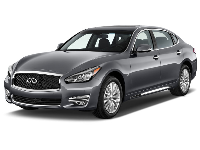 2018 INFINITI Q70L 3.7 LUXE RWD Angular Front Exterior View