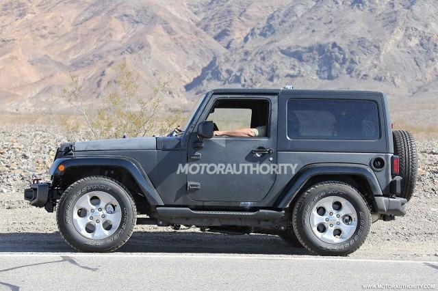 2018 Jeep Wrangler test mule spy shots - Image via S. Baldauf/SB-Medien