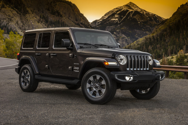 Green Jeep Wrangler >> New 2018 Jeep Wrangler boosts fuel economy, from bad to less bad