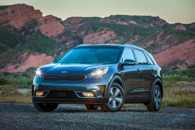 2018 Kia Niro Hybrid Nets Top Safety Pick Award When