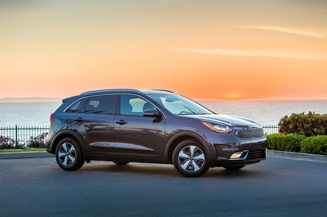 Electrical fire risk prompts Kia Niro hybrid recall