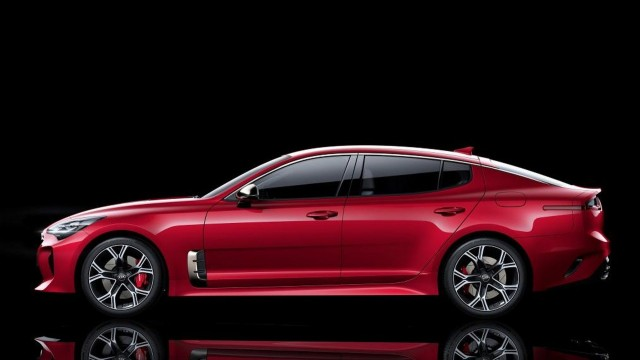 2018 Kia Stinger via Motor1