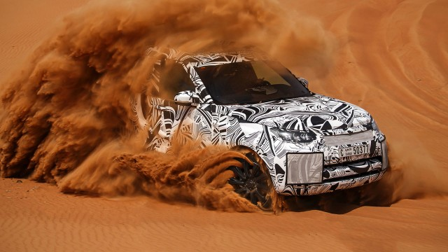 2018 Land Rover Discovery off-road testing