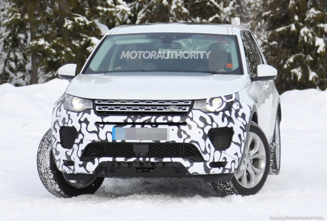 2018 Land Rover Discovery Sport performance model spy shots - Image via S. Baldauf/SB-Medien